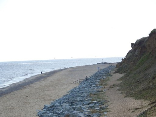 An image of the coastline in California, Norfolk